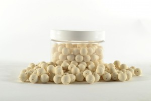 Mini Pre Drilled Boilies 100gr white - cocos